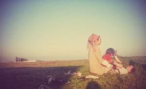 ליקוט ילדים בשדות:)