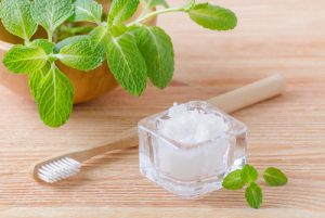 משחת שיניים טבעית