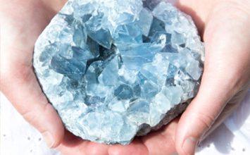 קריסטלים ואבנים טובות